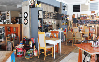 THE COAT RACK CAFE, STRAND